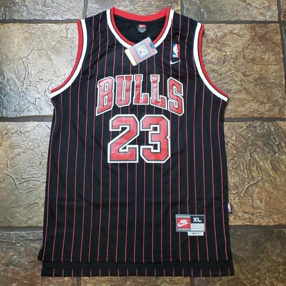 huge selection of eb5ff 26c5c Michael Jordan -